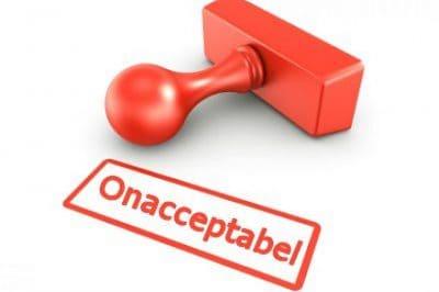 Foto met stempel Onacceptabel bij artikel !WOON over huurverhoging